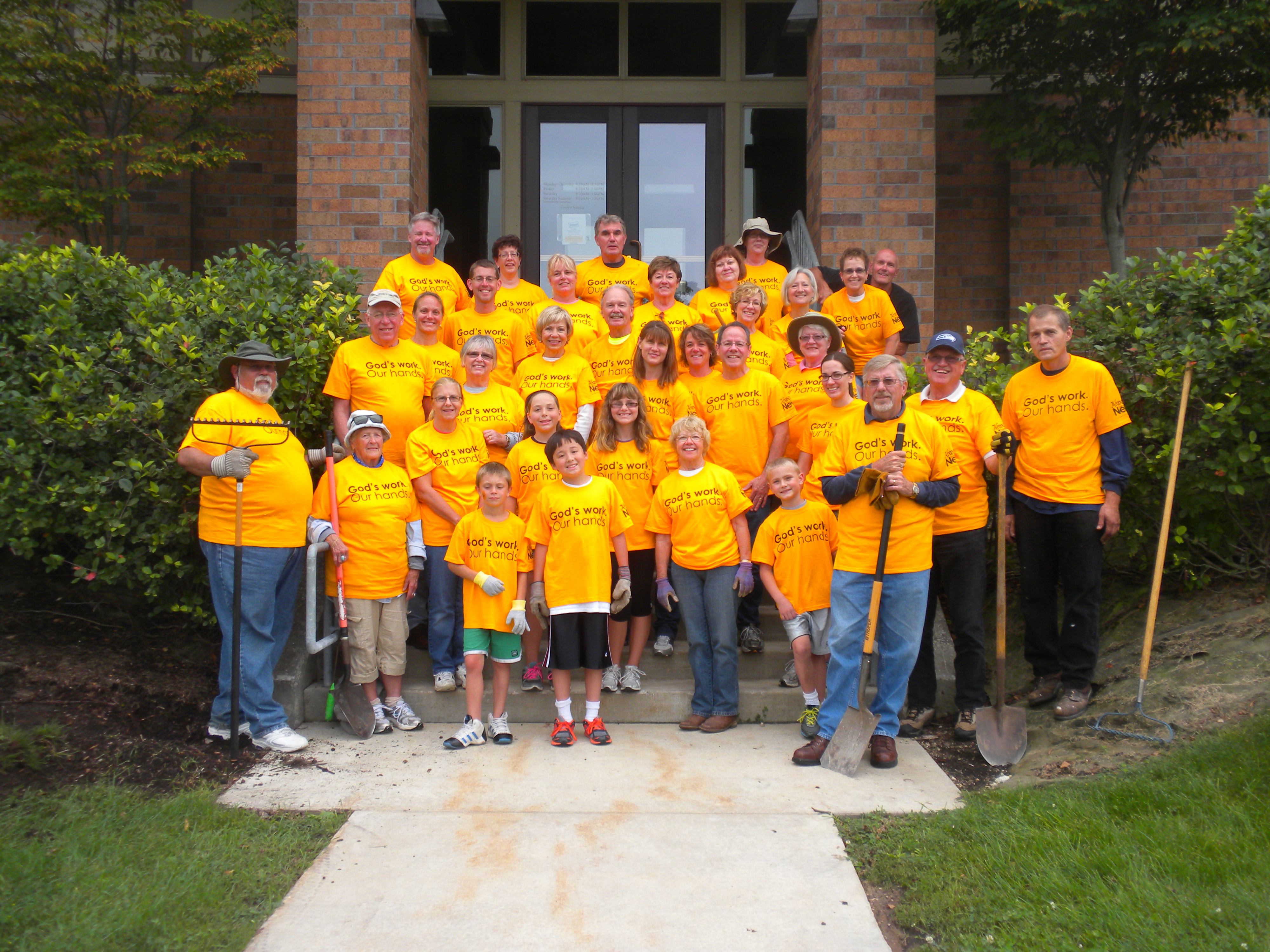 """""""Day of Service"""" in Pewaukee"""